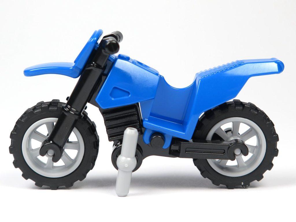 LEGO® City Magazin Nr. 8 - Motorrad, linke Seite | ©2018 Brickzeit