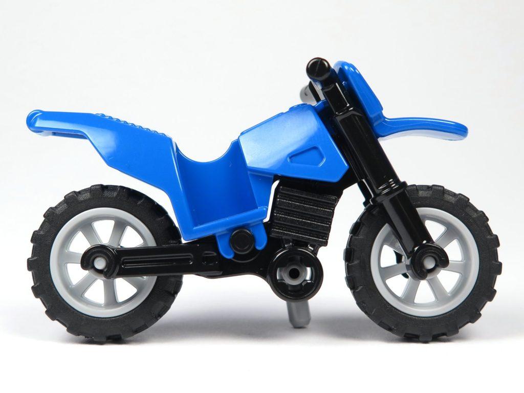 LEGO® City Magazin Nr. 8 - Motorrad, rechte Seite | ©2018 Brickzeit