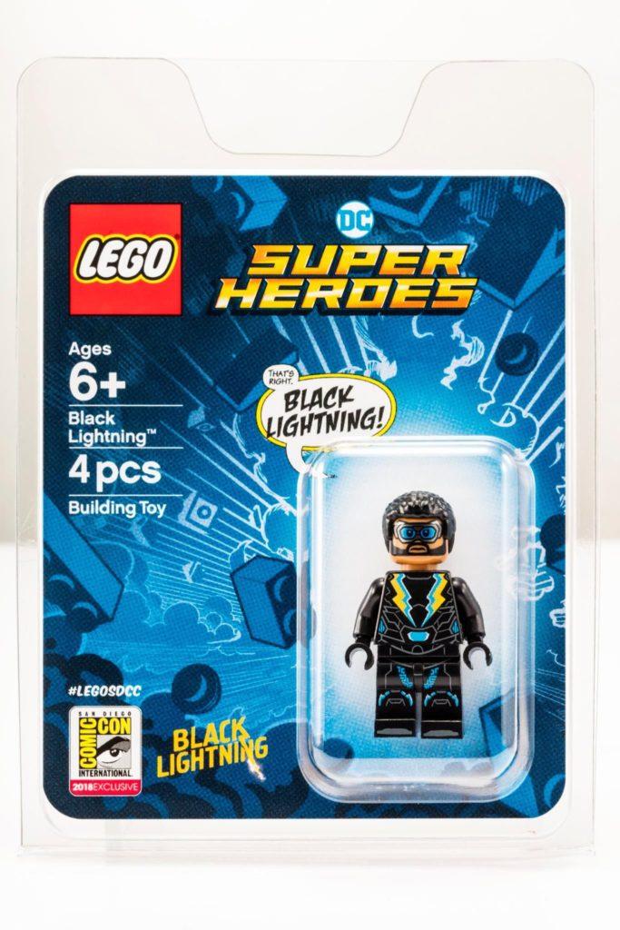 LEGO® DC Comics™ Black Lightning Minifigur - Bild 1 | ©LEGO Gruppe