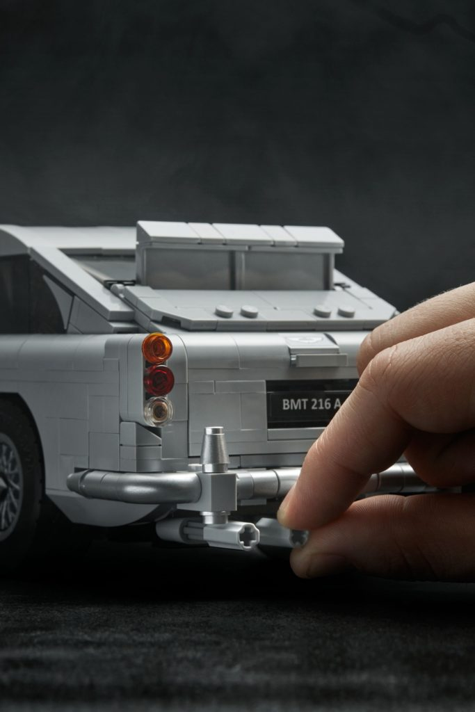 LEGO® James Bond Aston Martin DB5 (10262) - Bild 13 | ©2018 LEGO Gruppe