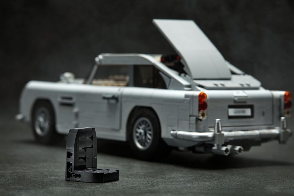 LEGO® James Bond Aston Martin DB5 (10262) - Bild 8 | ©2018 LEGO Gruppe