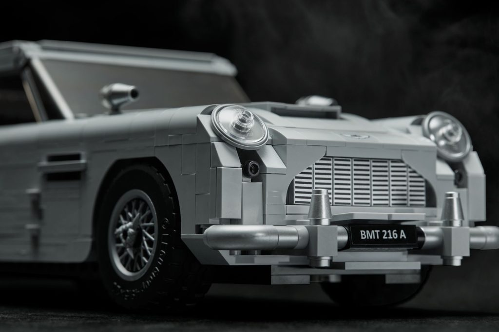 LEGO® James Bond Aston Martin DB5 (10262) - Bild 9 | ©2018 LEGO Gruppe
