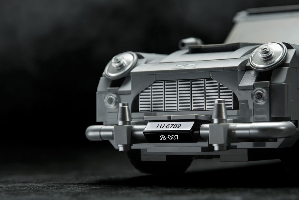 LEGO® James Bond Aston Martin DB5 (10262) - Bild 10 | ©2018 LEGO Gruppe