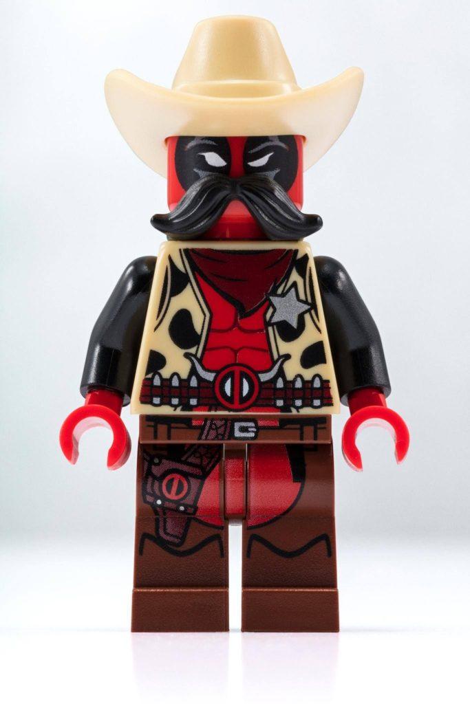 LEGO® Marvel Super Heroes Sheriff Deadpool™ Minifigur | LEGO Gruppe