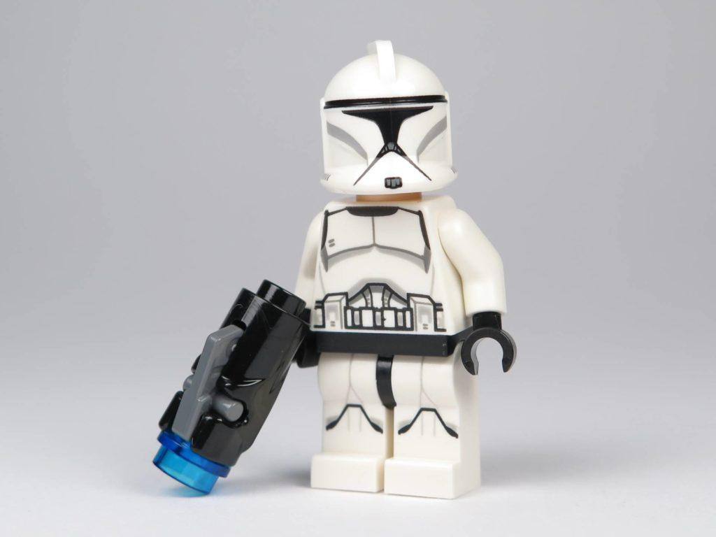 LEGO® Star Wars™ Jedi™ und Clone Troopers™ Battle Pack (75206) - Clone Trooper mit Helm und Shooter | ©2018 Brickzeit