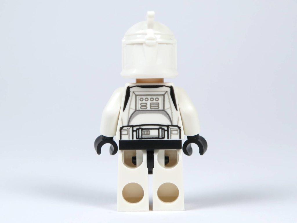 LEGO® Star Wars™ Jedi™ und Clone Troopers™ Battle Pack (75206) - Clone Trooper mit Helm, Rückseite | ©2018 Brickzeit