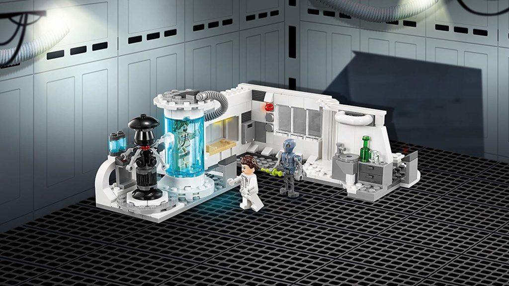 LEGO® Star Wars™ Heilkammer auf Hoth (75203) Set mit Hintergrund 1 | ©2018 LEGO Gruppe