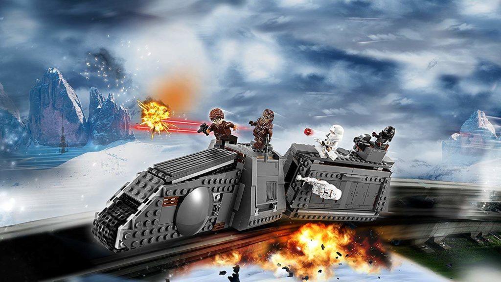 LEGO® Star Wars™ Imperialer Conveyex Transport (75217) kommt auf Schienen angerast | ©2018 LEGO Gruppe