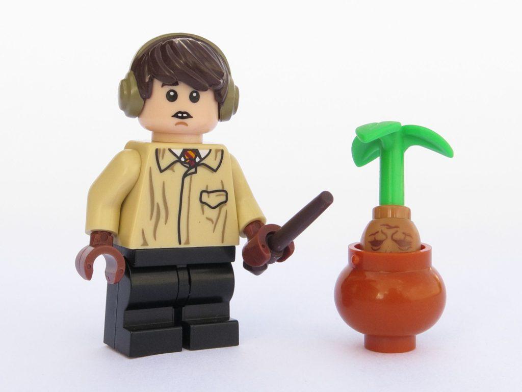 LEGO 71022 - Minifigur 06 - Neville Longbottom mit Alraune | ©2018 Brickzeit