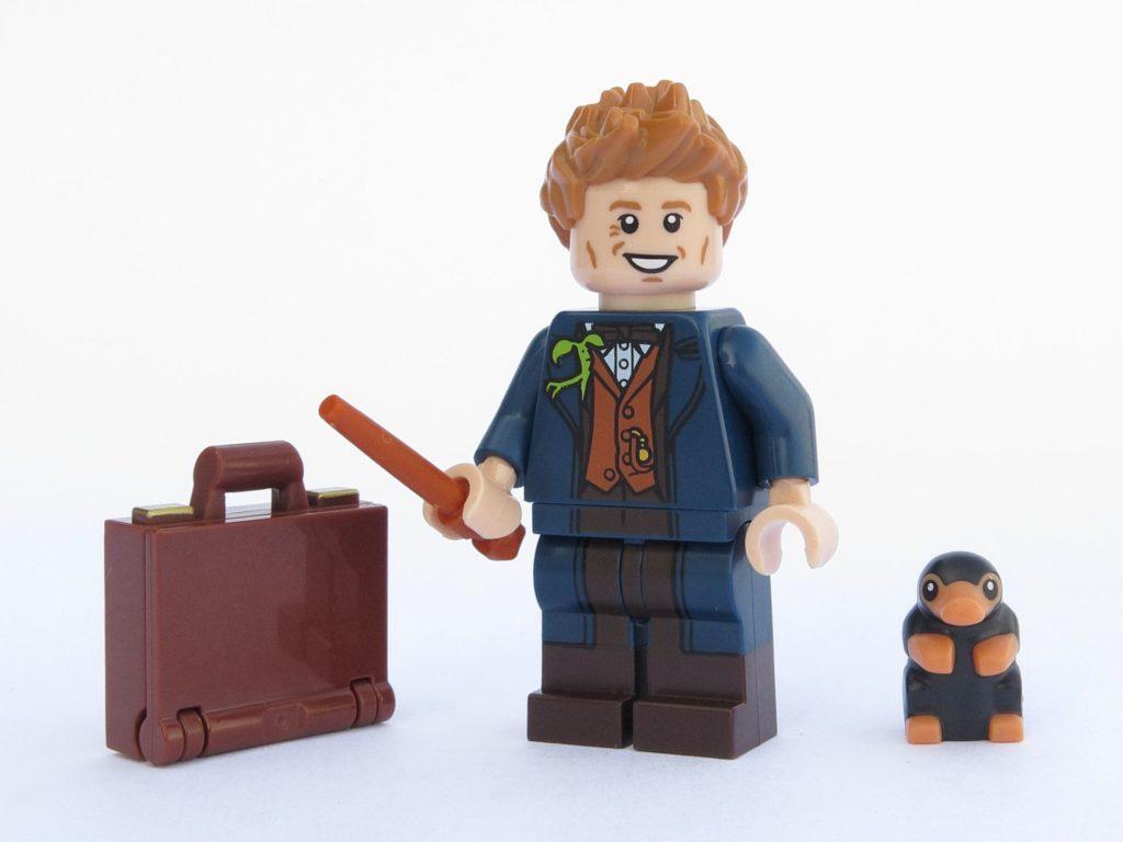 LEGO 71022 - Minifigur 17 - Newt Scamander mit Koffer und Niffler | ©2018 Brickzeit
