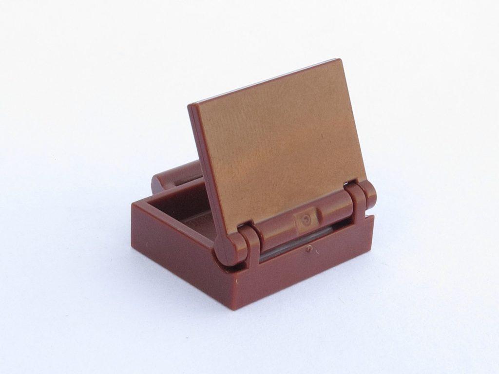 LEGO 71022 - Minifigur 17 - Koffer Rückseite | ©2018 Brickzeit