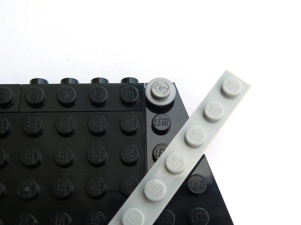 LEGO® 75211 Imperial TIE Fighter - Bauabschnitt 3 - Befestigung Strebe | ©2018 Brickzeit