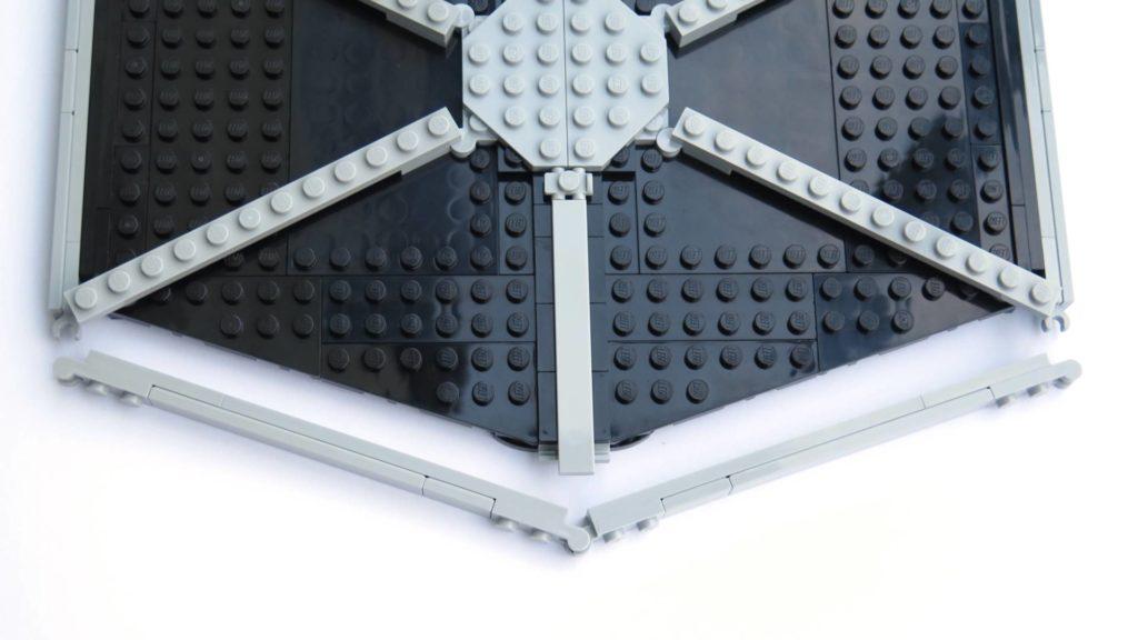 LEGO® 75211 Imperial TIE Fighter - Bauabschnitt 3 - Umrandung, lange Seite | ©2018 Brickzeit