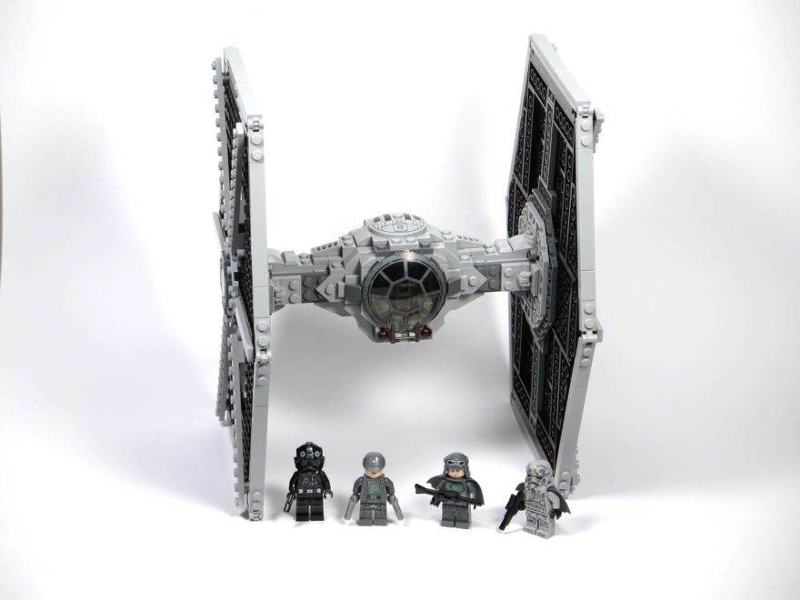 LEGO® Star Wars™ Imperial Tie Fighter 75211 - komplettes Set | ©2018 Brickzeit