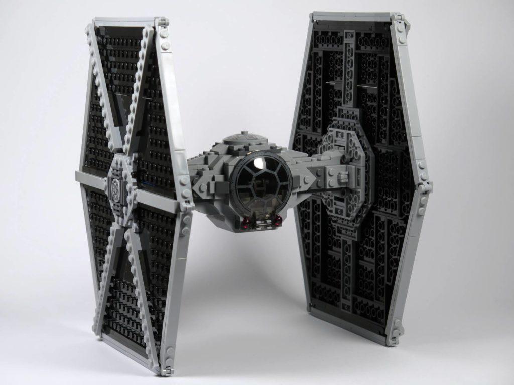 LEGO® 75211 Imperial TIE Fighter - schräg vorne | ©2018 Brickzeit