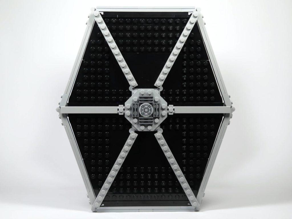 LEGO® 75211 Imperial TIE Fighter - Seite | ©2018 Brickzeit