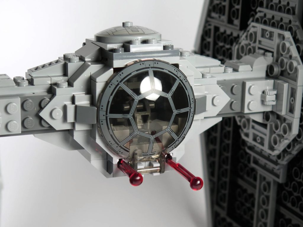 LEGO® 75211 Imperial TIE Fighter - Cockpit mit Shootern | ©2018 Brickzeit