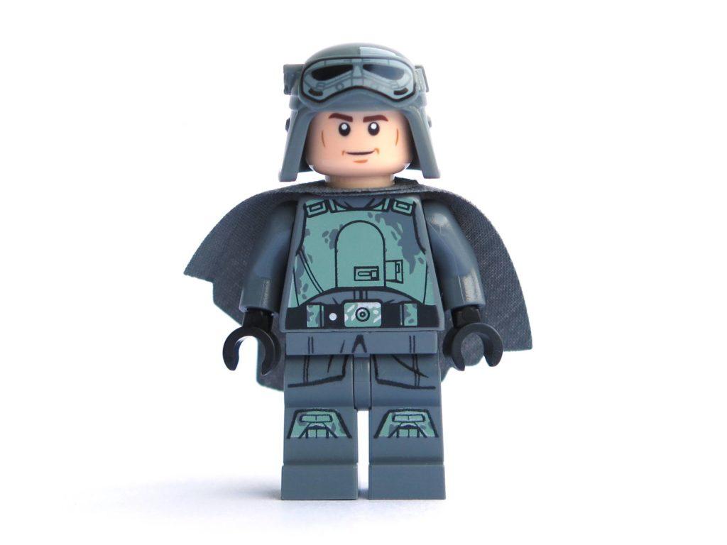 LEGO® 75211 - Minifigur Han Solo - Vorderseite mit Helm und Umhang | ©2018 Brickzeit