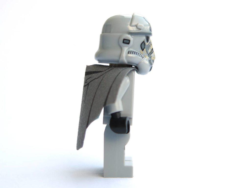 LEGO® 75211 - Minifigur Mimban Stormtrooper - rechte Seite | ©2018 Brickzeit