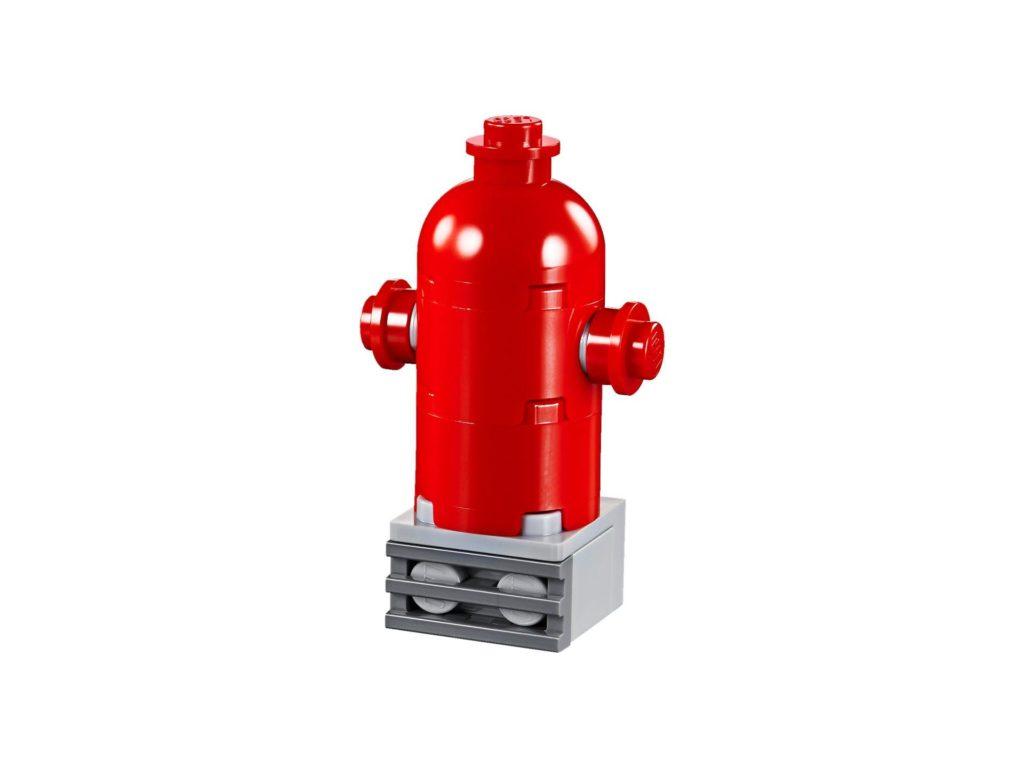 LEGO® Creator 3-in-1 Niedlicher Mops (30542) - Hydrant | ©2018 LEGO Gruppe