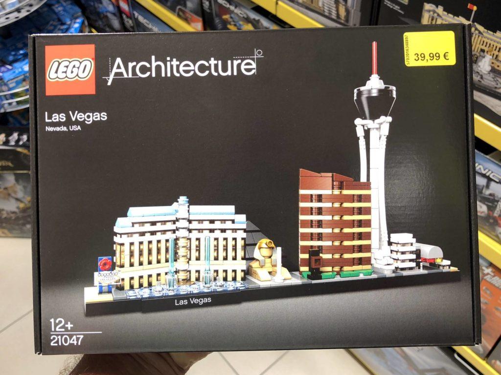 LEGO® Architecture Las Vegas 21047 - Packung Vorderseite | ©2018 Brickzeit