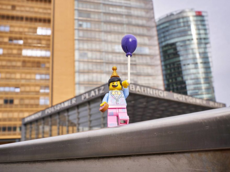 LEGO® Presseinfo - 40 Geburtstag Minifigur - Bild 01 | ©LEGO Gruppe