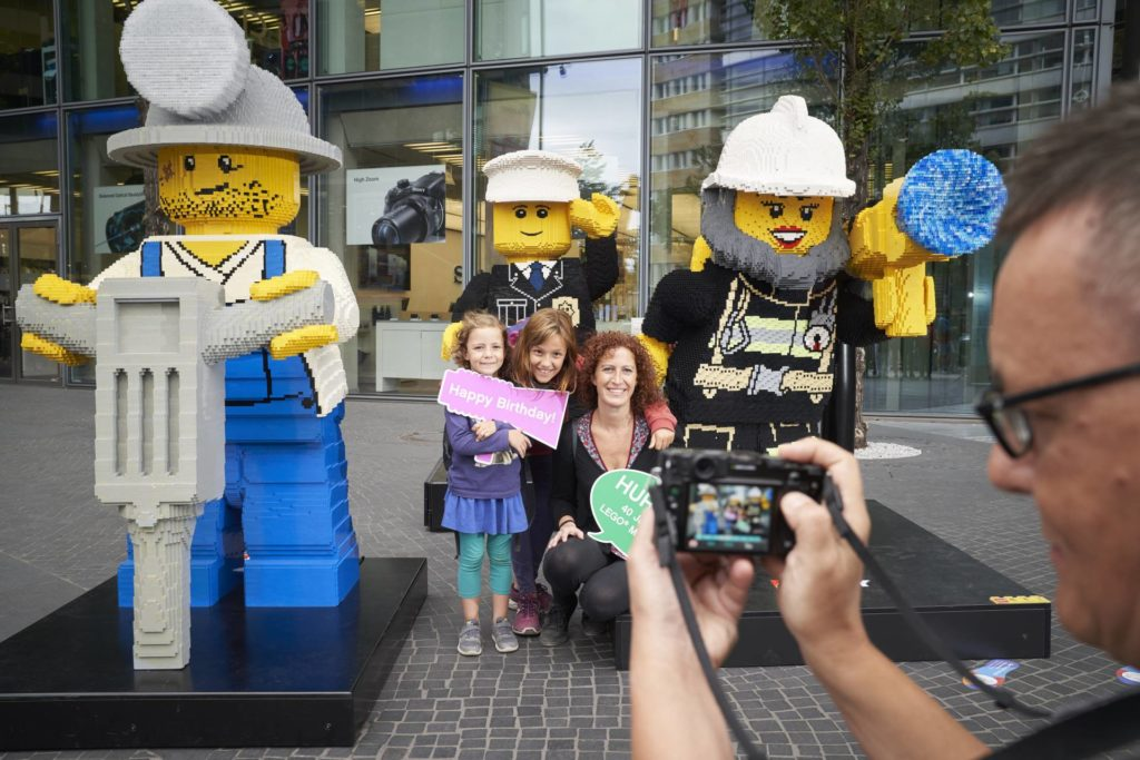 LEGO® Presseinfo - 40 Geburtstag Minifigur - Bild 12 | ©LEGO Gruppe