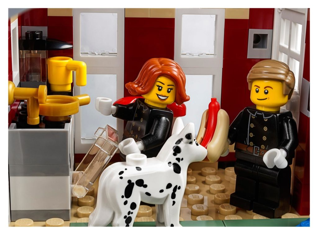 LEGO® Creator Expert 10263 Winter Village Fire Station 10263 - Bild 5 | ©LEGO Gruppe