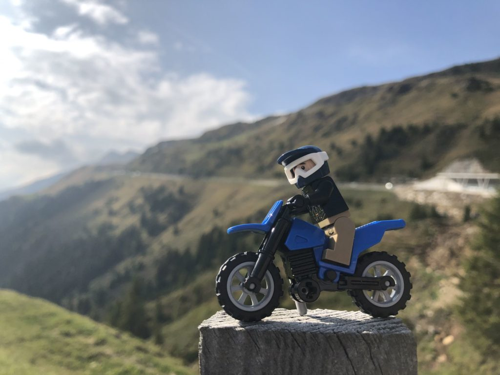LEGO® Motorrad beim Jaufenpass | ©2018 Brickzeit