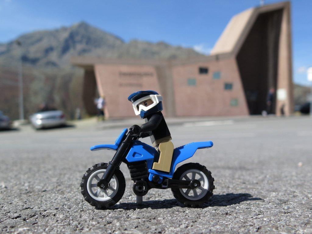 LEGO® Motorrad am Steg | ©2018 Brickzeit