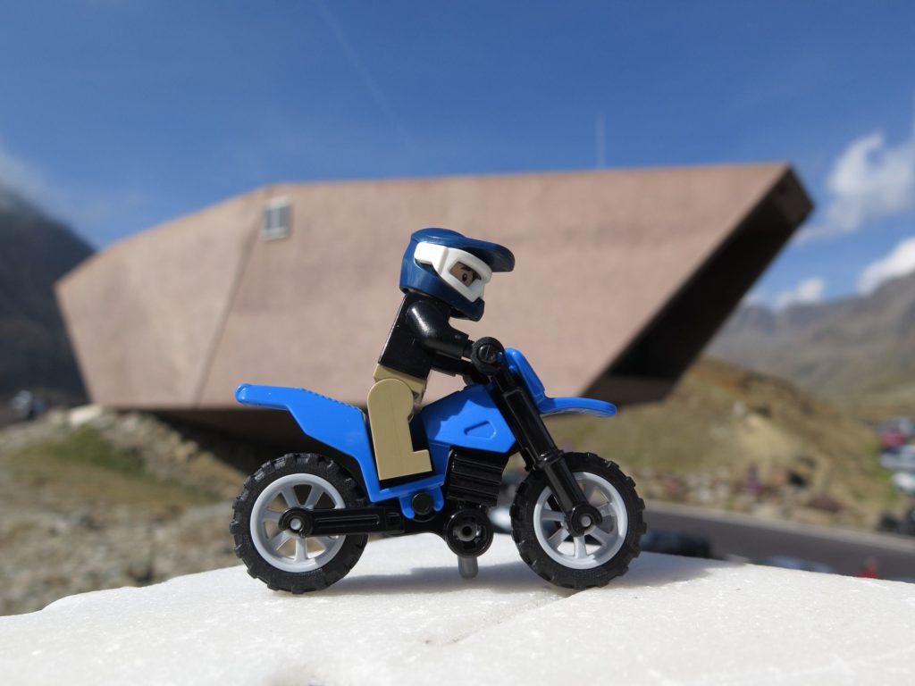 LEGO® Motorrad beim Passmuseum | ©2018 Brickzeit