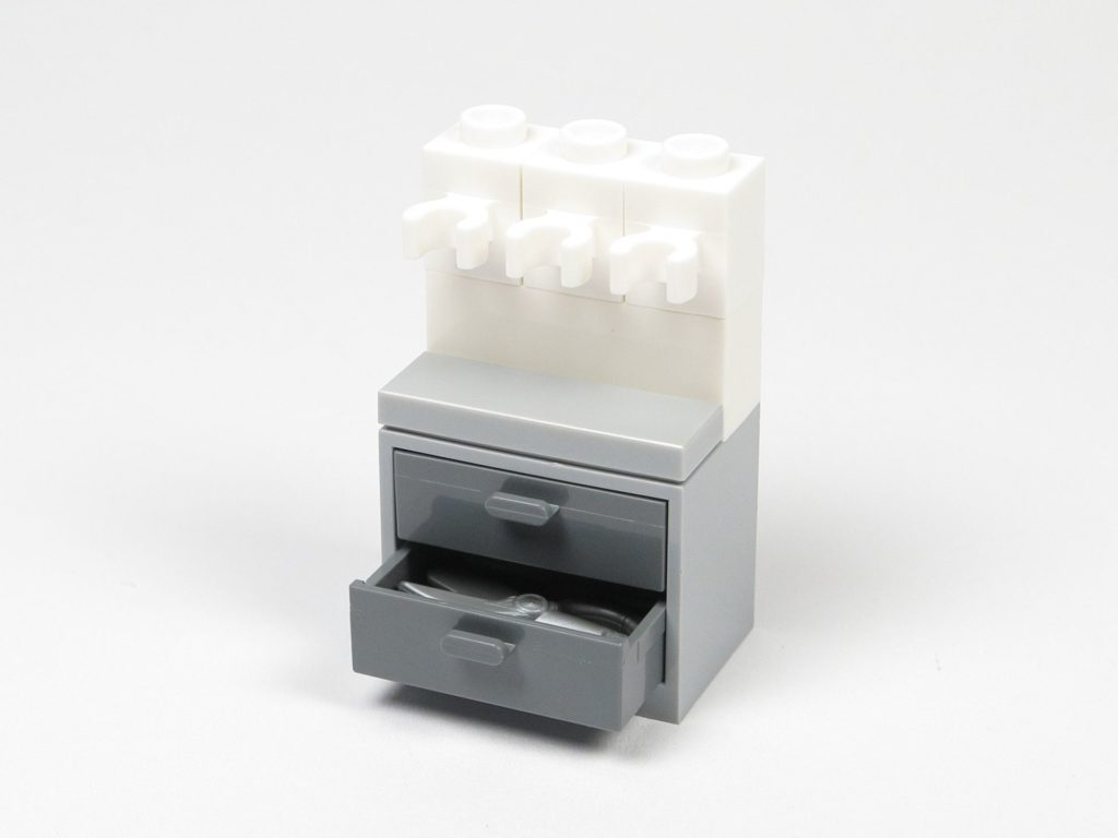 LEGO® Star Wars™ 75203 - Bauabschnitt 1 - Schubladen und Halter | ©2018 Brickzeit