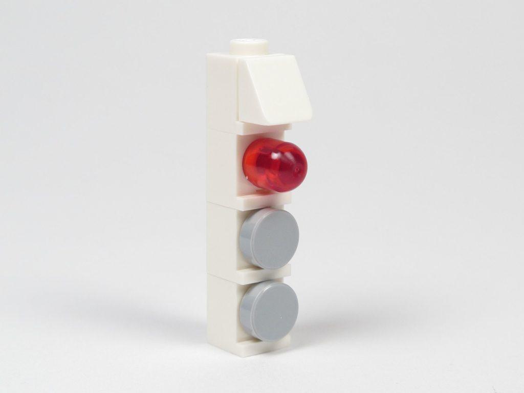 LEGO® Star Wars™ 75203 - Bauabschnitt 1 - Leiste mit Lampe | ©2018 Brickzeit