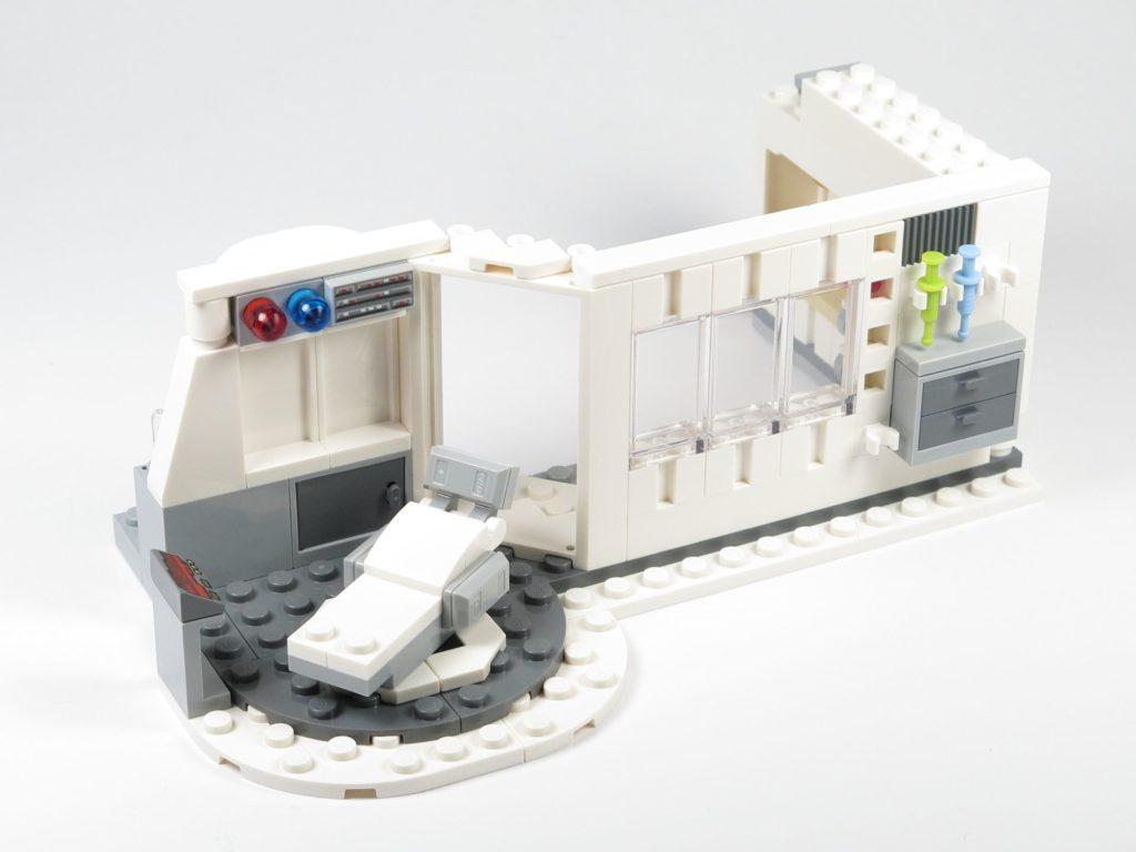 LEGO® Star Wars™ 75203 - Bauabschnitt 2 - Außenbereich fertig | ©2018 Brickzeit