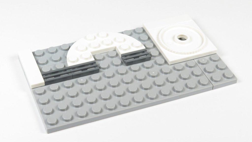 LEGO® Star Wars™ 75203 - Bauabschnitt 3 - Grundsteine gelegt | ©2018 Brickzeit