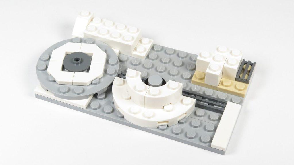 LEGO® Star Wars™ 75203 - Bauabschnitt 3 - Drehscheibe und weitere Teile hinzugefügt | ©2018 Brickzeit