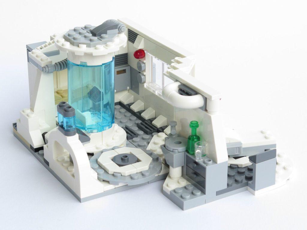 LEGO® Star Wars™ 75203 - fertiges Set - geschlossen, Sicht in Innenraum | ©2018 Brickzeit