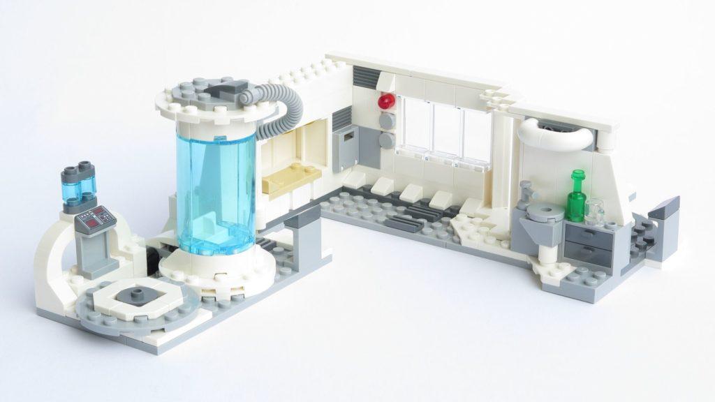 LEGO® Star Wars™ 75203 - fertiges Set - geöffnet, Innenseite | ©2018 Brickzeit
