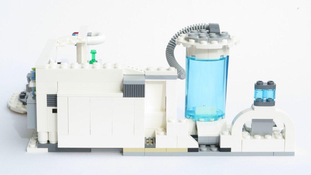 LEGO® Star Wars™ 75203 - fertiges Set - offen, Rückseite | ©2018 Brickzeit