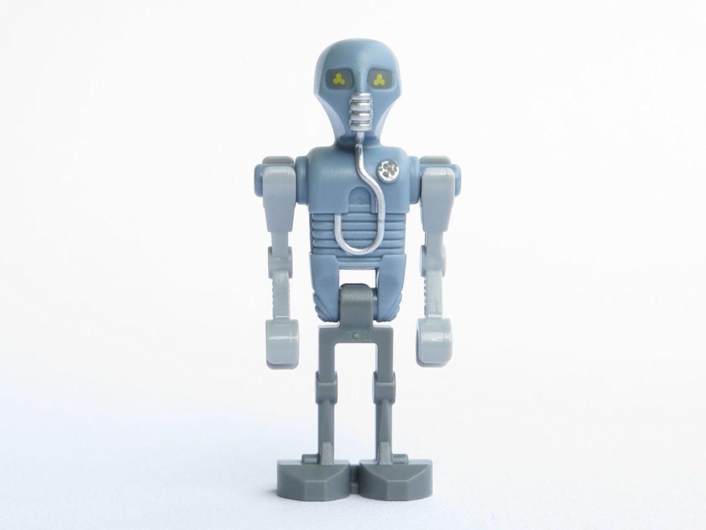 LEGO® Star Wars™ 75203 - Droide 2-1B - Vorderseite | ©2018 Brickzeit