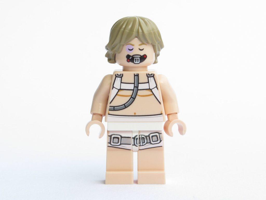 LEGO® Star Wars™ 75203 - Minifigur Luke Skywalker - Vorderseite, Gesicht mit Atemmaske | ©2018 Brickzeit