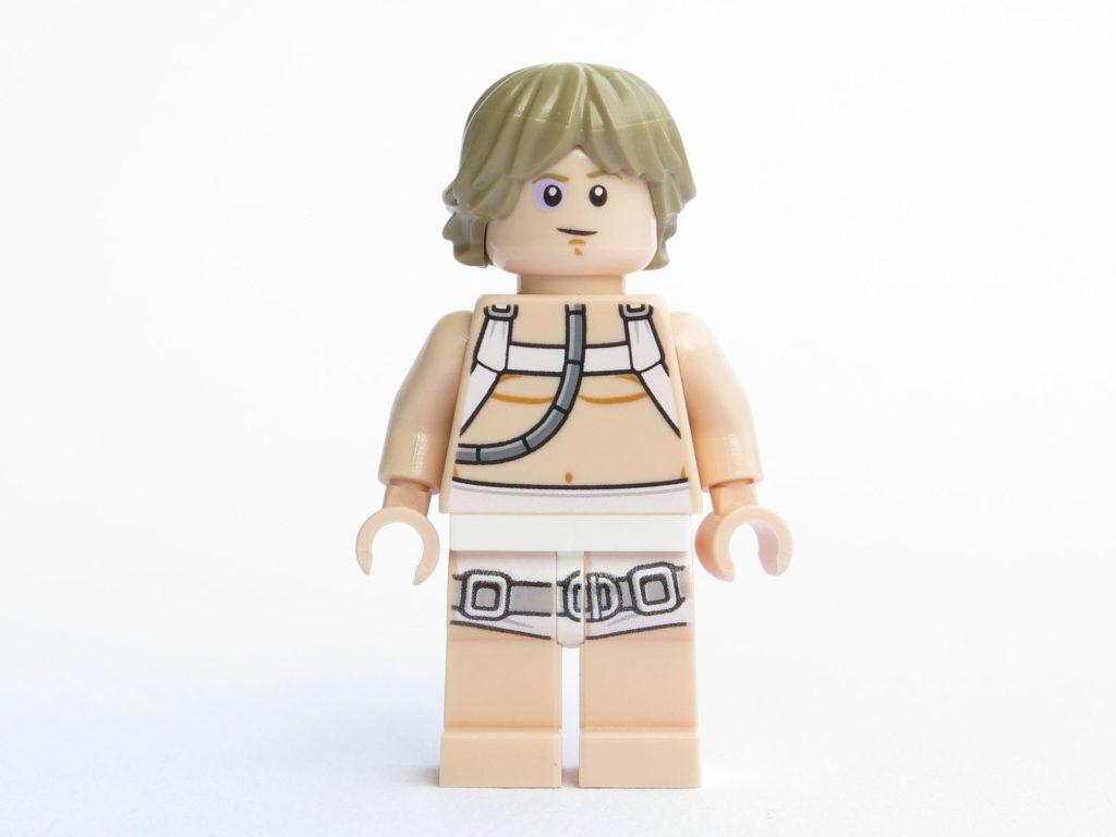 LEGO® Star Wars™ 75203 - Minifigur Luke Skywalker - Vorderseite, Gesicht mit blauem Auge | ©2018 Brickzeit