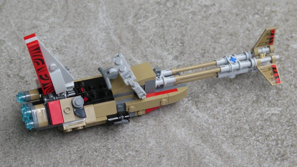 LEGO® Star Wars™ 75215 - Enfys Nest's Swoop Bike auf Stein - rechts, hinten | ©2018 Brickzeit