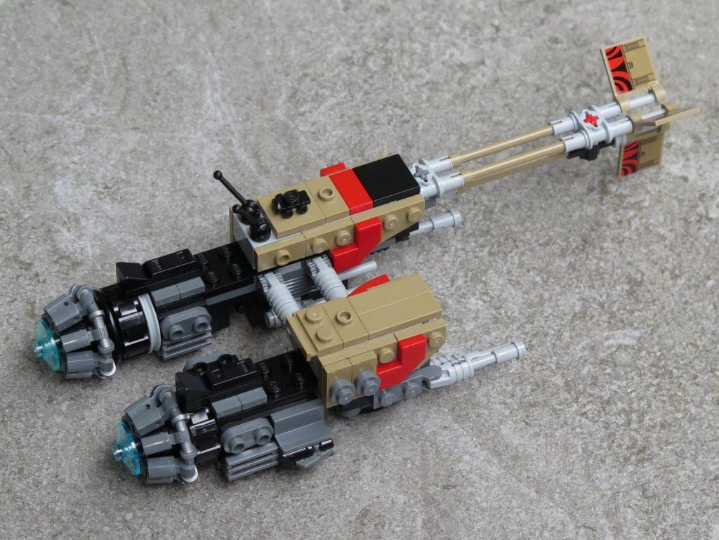 LEGO® Star Wars™ 75215 - Weazel's Swoop Bike auf Stein - hinten, rechts | ©2018 Brickzeit