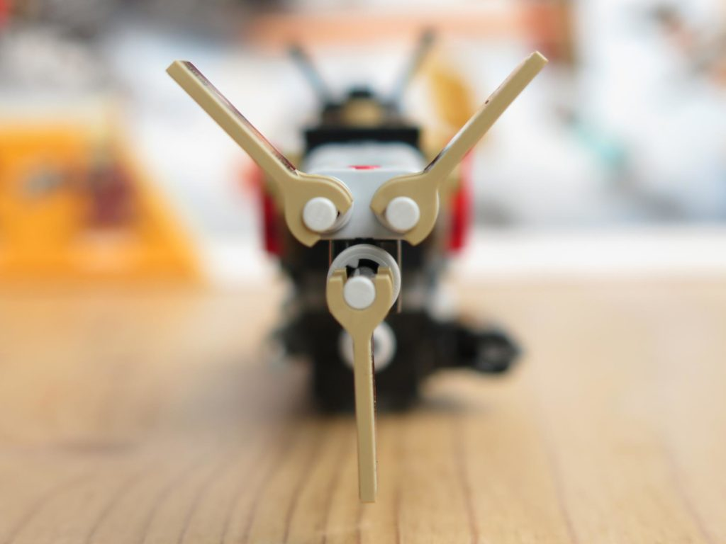 LEGO® Star Wars™ 75215 - Weazel's Swoop Bike - Teil 1 - Vorderseite | ©2018 Brickzeit