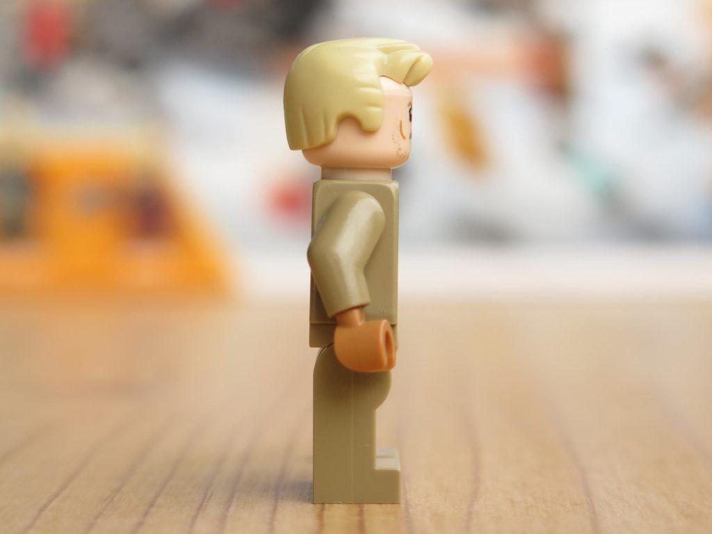 LEGO® Star Wars™ 75215 - Minifigur Tobias Beckett - rechte Seite | ©2018 Brickzeit