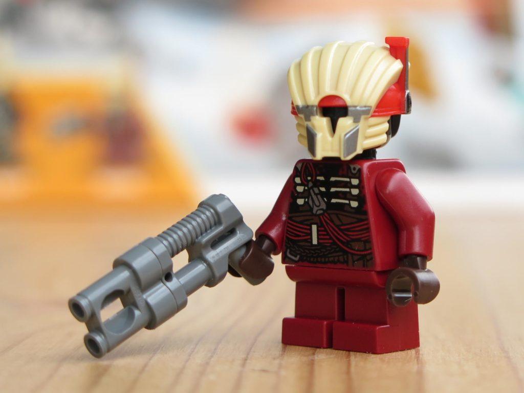 LEGO® Star Wars™ 75215 - Minifigur Weazel mit Zubehör | ©2018 Brickzeit