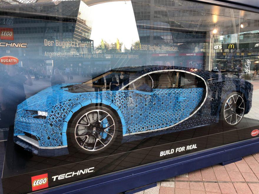 LEGO Technic Bugatti Chiron XXL - Bild 9 | ©2018 Brickzeit