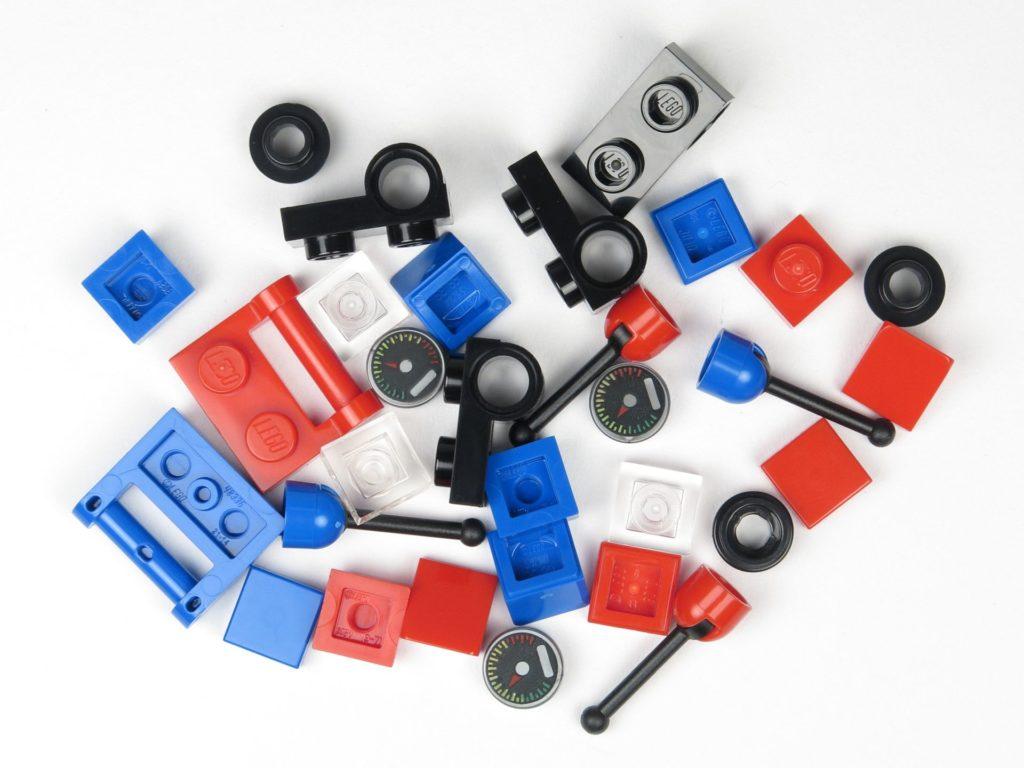 LEGO® City 60201 Adventskalender 2018 - Ferngesteuerte Motorräder, Inhalt | ©2018 Brickzeit