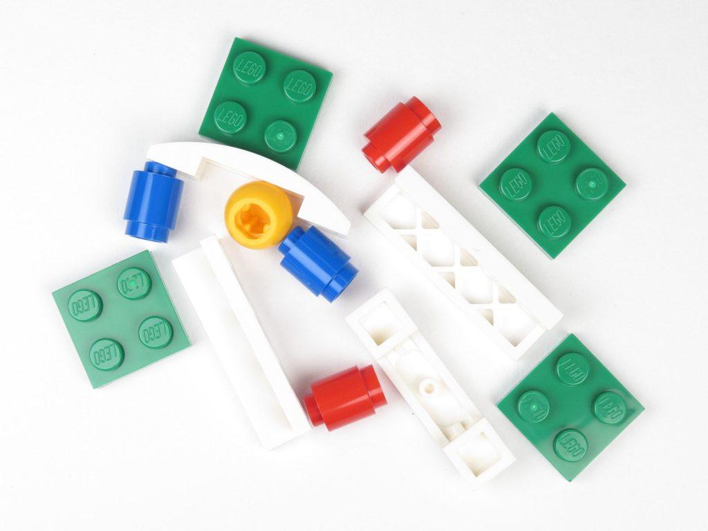 LEGO® City 60201 Adventskalender 2018 - Fußballspiel, Inhalt | ©2018 Brickzeit